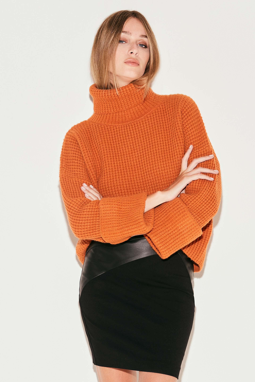 markova_sweater-regina_31-29-2021__picture-36946