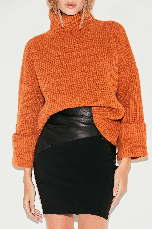 markova_sweater-regina_31-29-2021__picture-36949