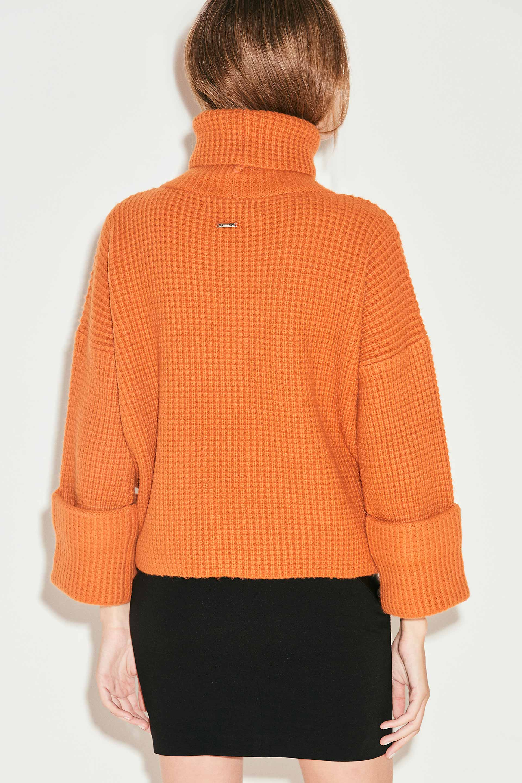 markova_sweater-regina_31-29-2021__picture-36950