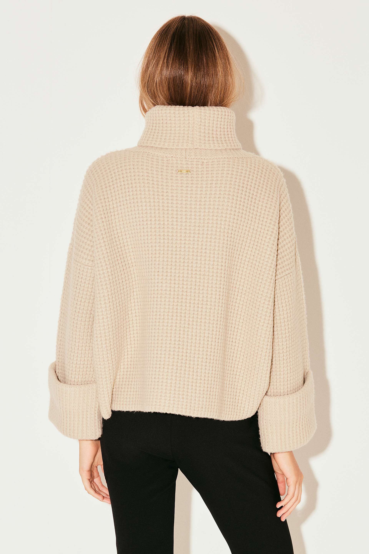 markova_sweater-regina_31-29-2021__picture-37011