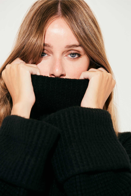 markova_sweater-regina_31-29-2021__picture-37013