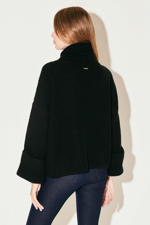markova_sweater-regina_31-29-2021__picture-37016