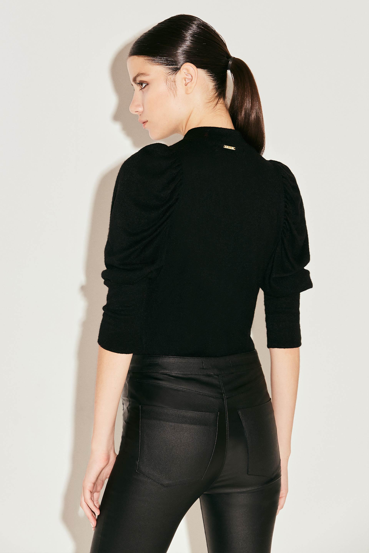 markova_sweater-holly_31-29-2021__picture-37583